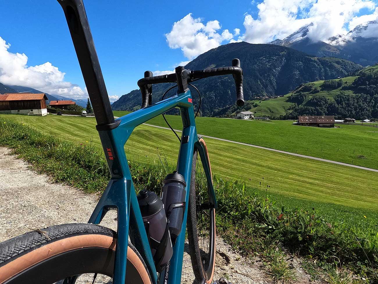 frame details on bmc roadmachine x all road bike