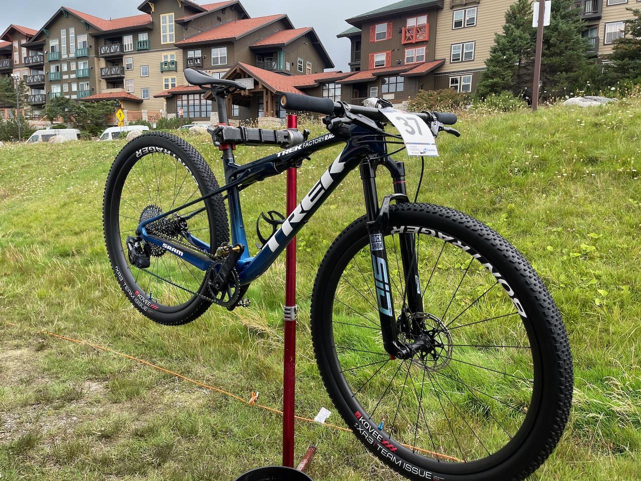 Anton Cooper Trek Supercaliber Full full bike side