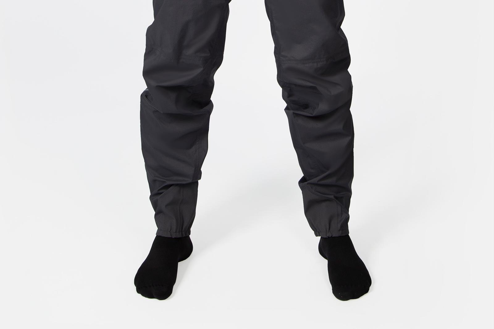 a man wears the endura gv500 waterproof pants