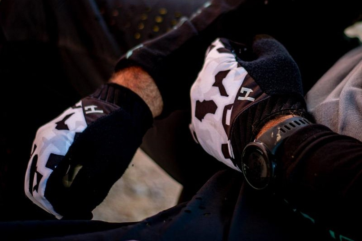 HANDUP Pro Performance Glove - lifestyle image