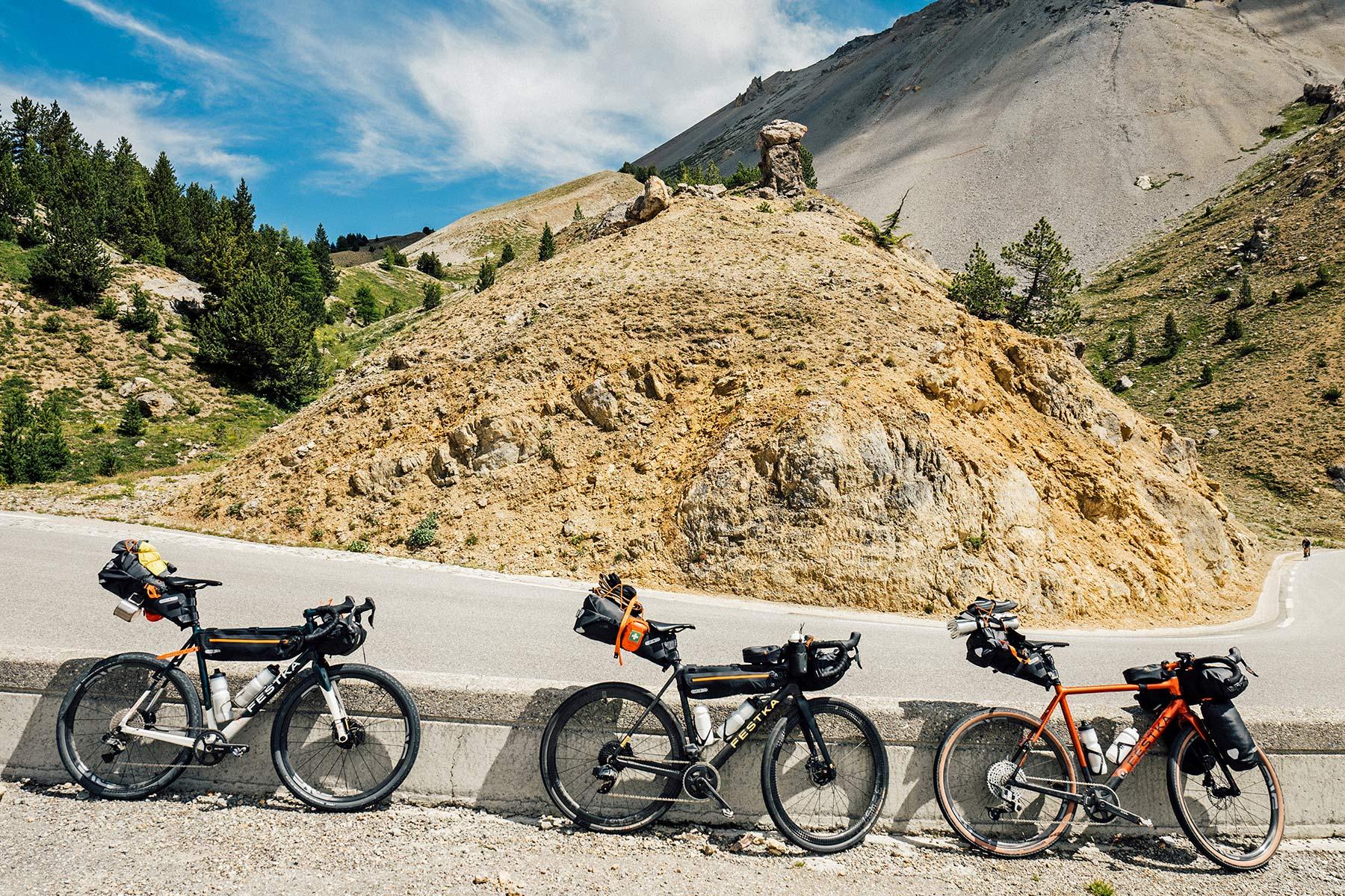 Festka Scout custom carbon adventure gravel bike,bikepacking