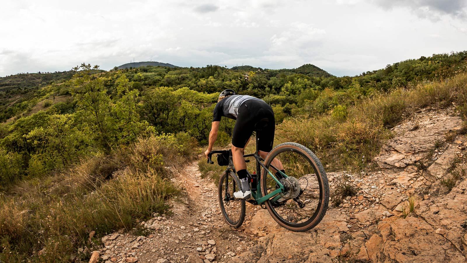 Fulcrum Rapid Red Carbon lightweight asymmetric tubeless gravel bike wheels,off-road