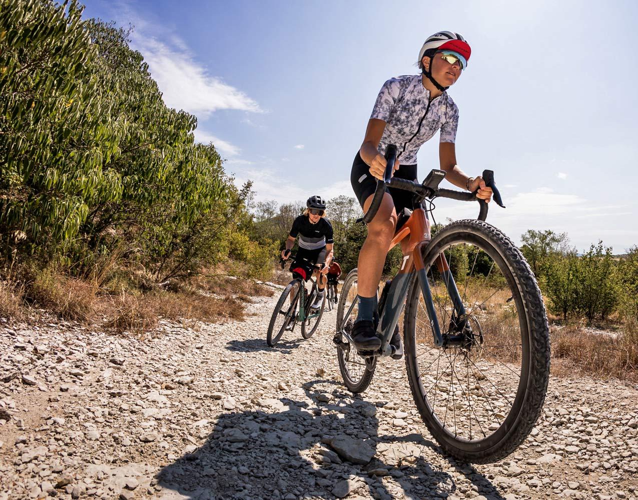 Fulcrum Rapid Red Carbon lightweight asymmetric tubeless gravel bike wheels,gravel roads