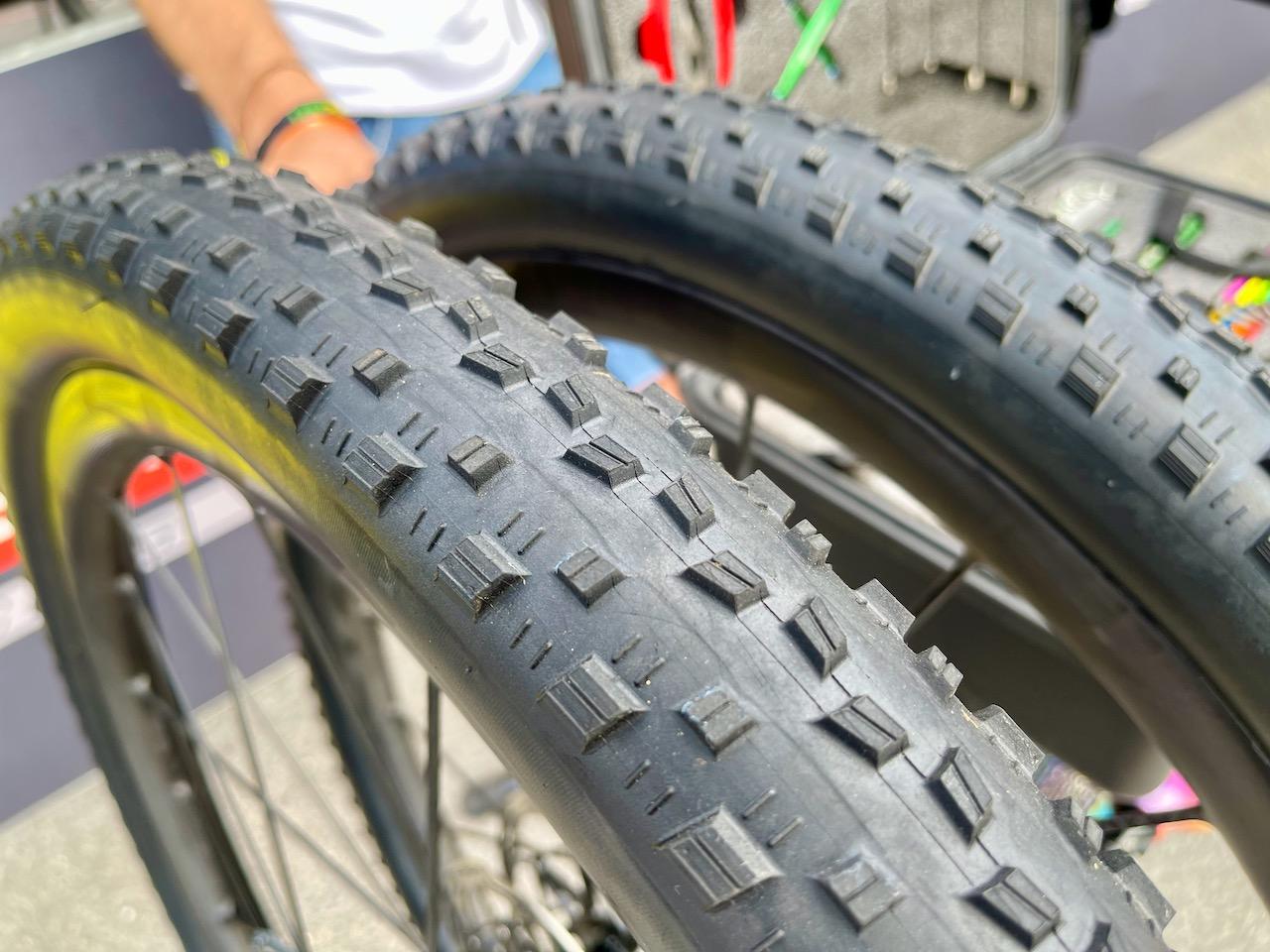 Maxxis 泥地賽車輪胎細節