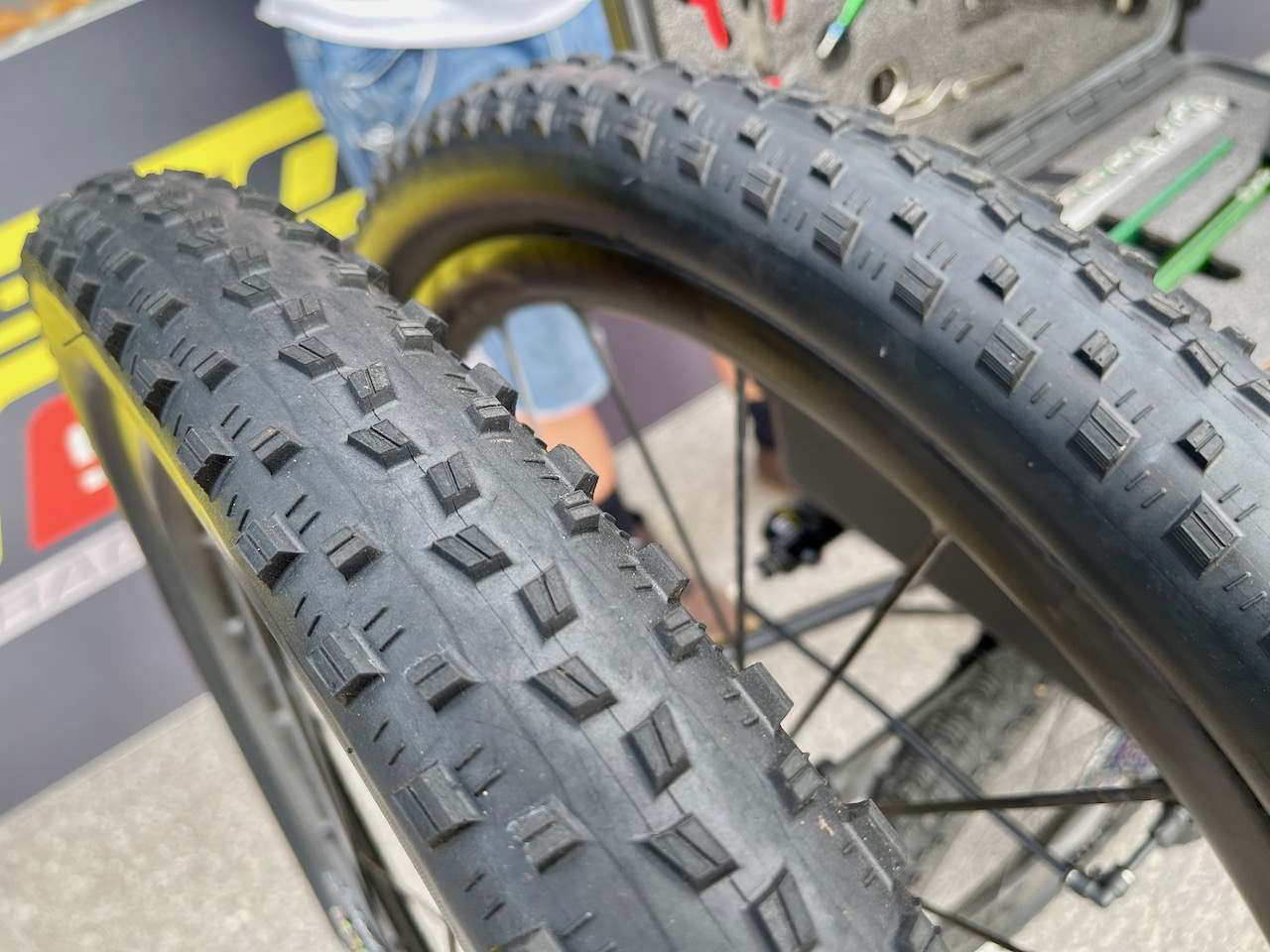 Maxxis mud race tires tread
