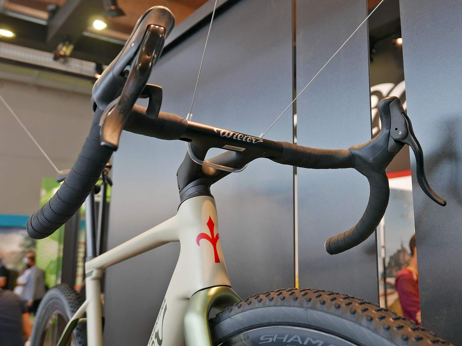 Wilier Rave SLR lightweight carbon all-road gravel bike, integrated J-bar cockpit