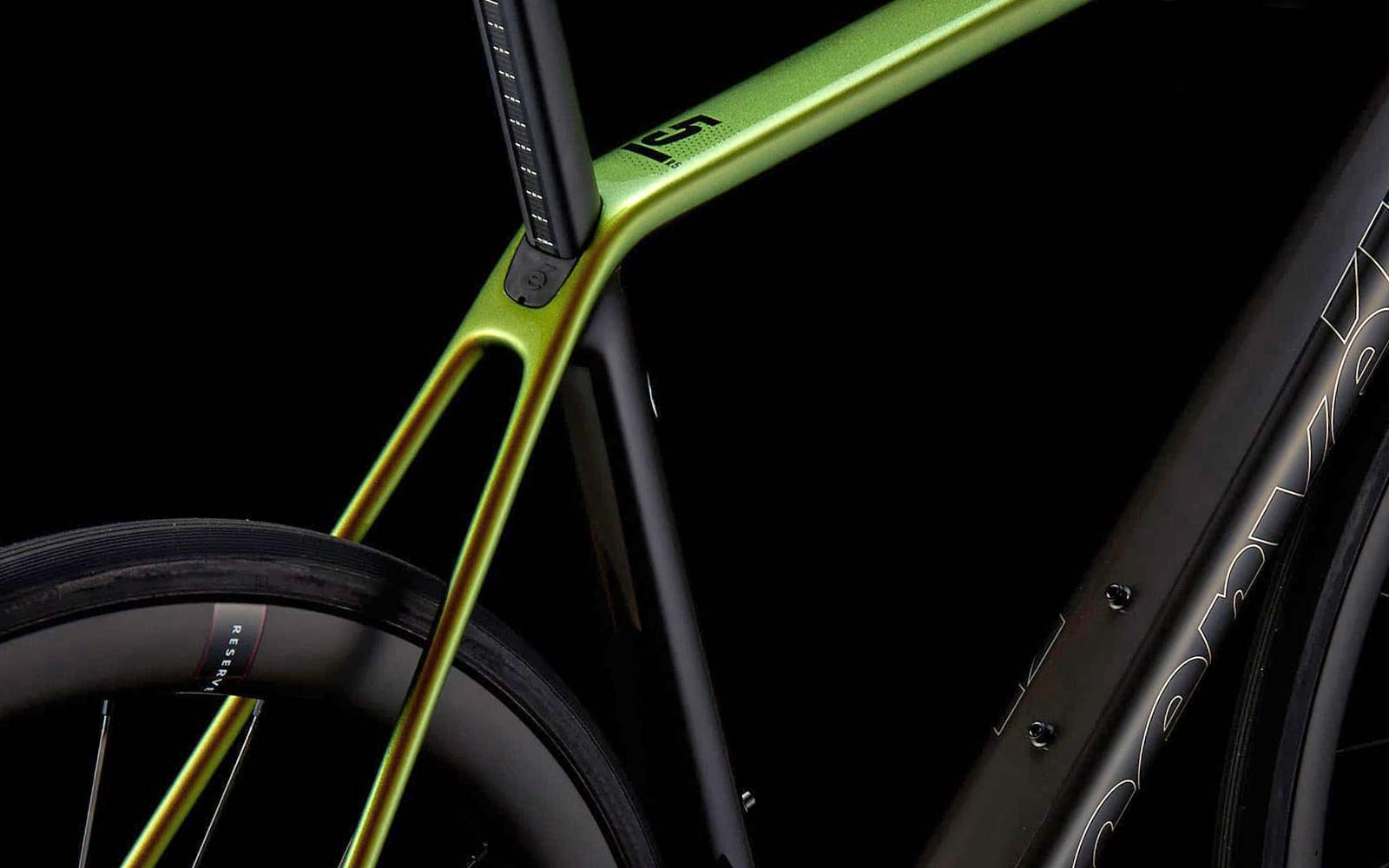 2022 Cervelo R5 Disc lightweight carbon all-rounder classic road bike,seatpost clamp detail