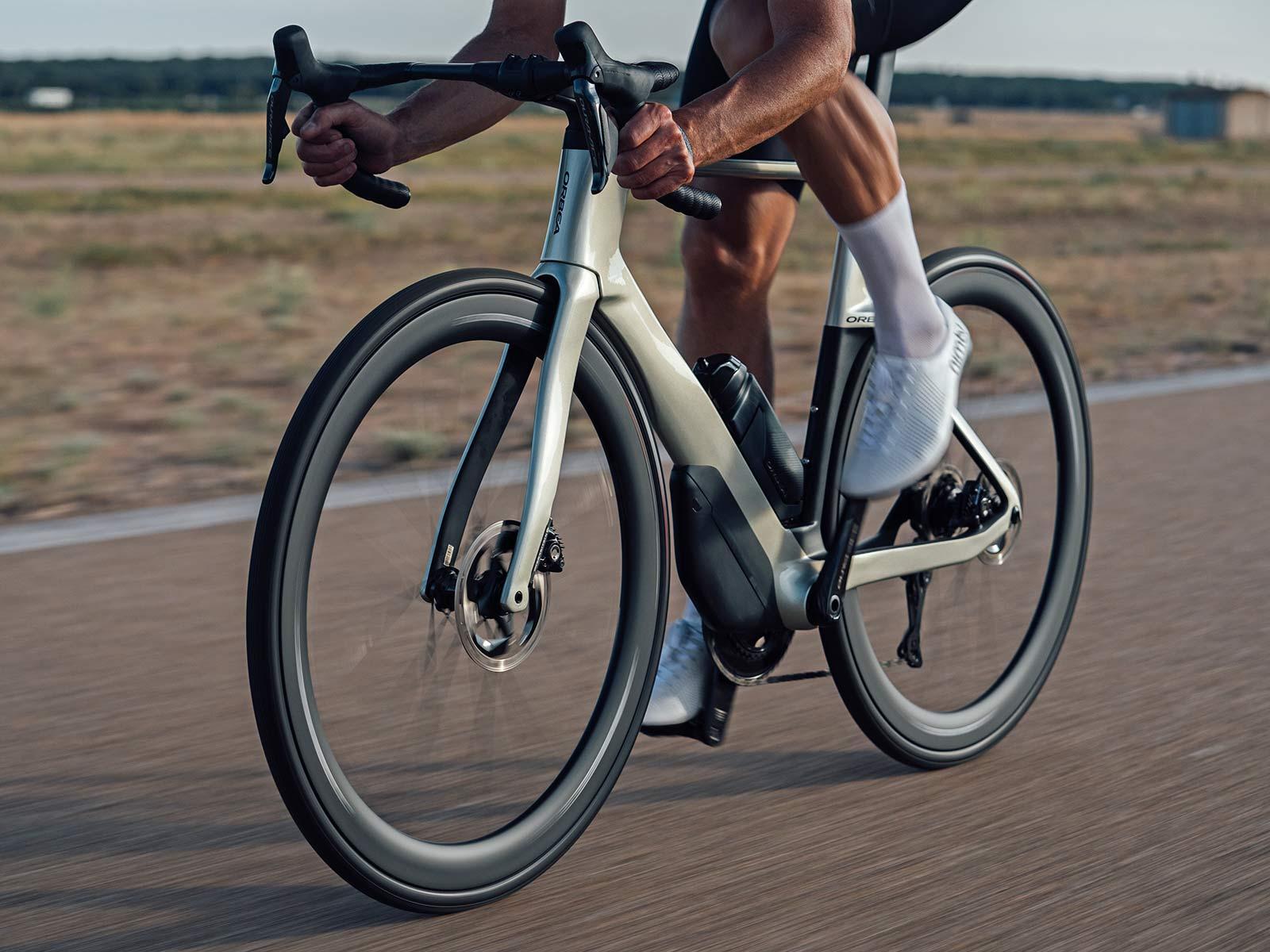 2022 Orbea Orca Aero carbon road bike, riding