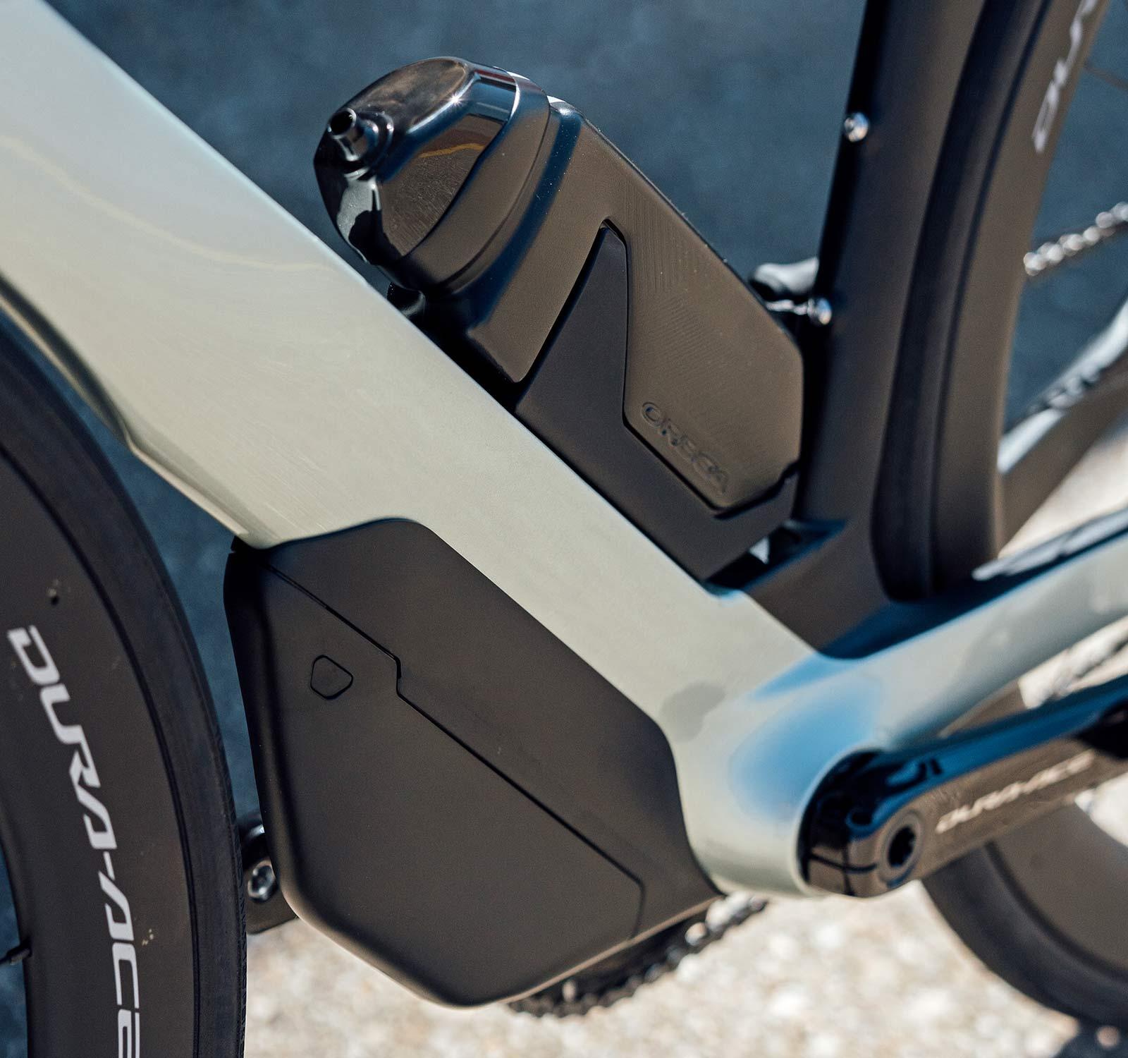 2022 Orbea Orca Aero carbon road bike, toolbox