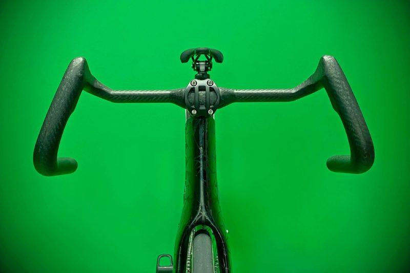 TRed TOOT ASHAA ergonomic carbon track handlebar,green front