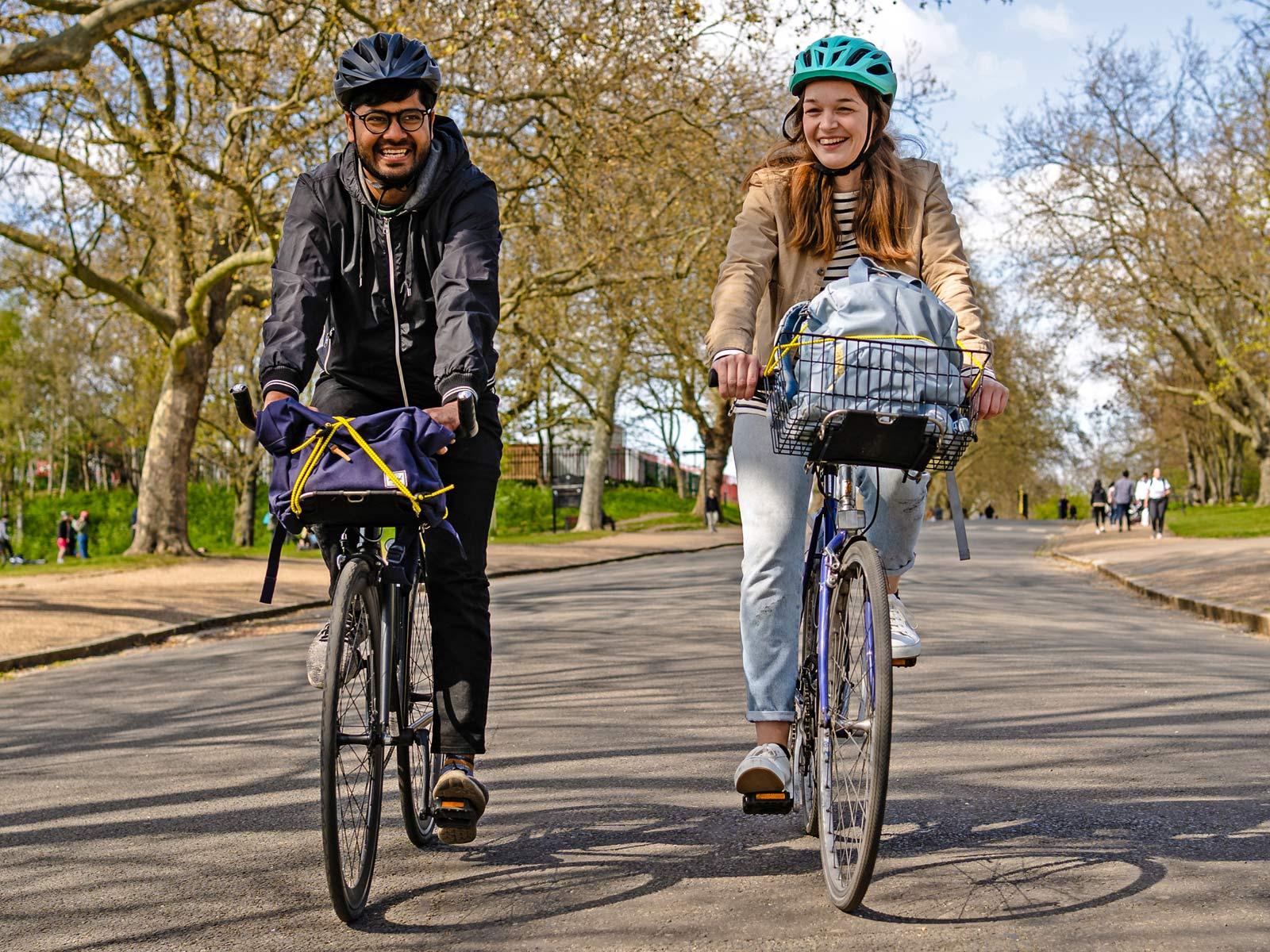 Jack The Bike Rack evrensel uyumlu aletsiz çelik boru kayışlı ön raf, kentsel