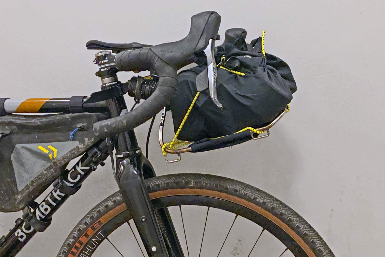 Jack The Bike Rack evrensel uyumlu aletsiz çelik boru kayışlı ön raf, ilk bakış tarafı