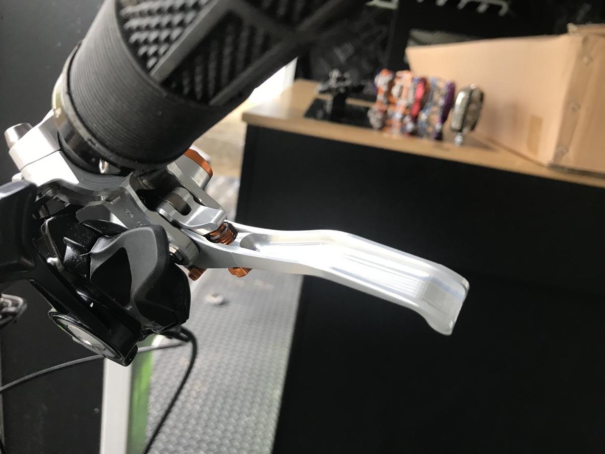 Hope tech 4 -jarruvivun prototyyppi
