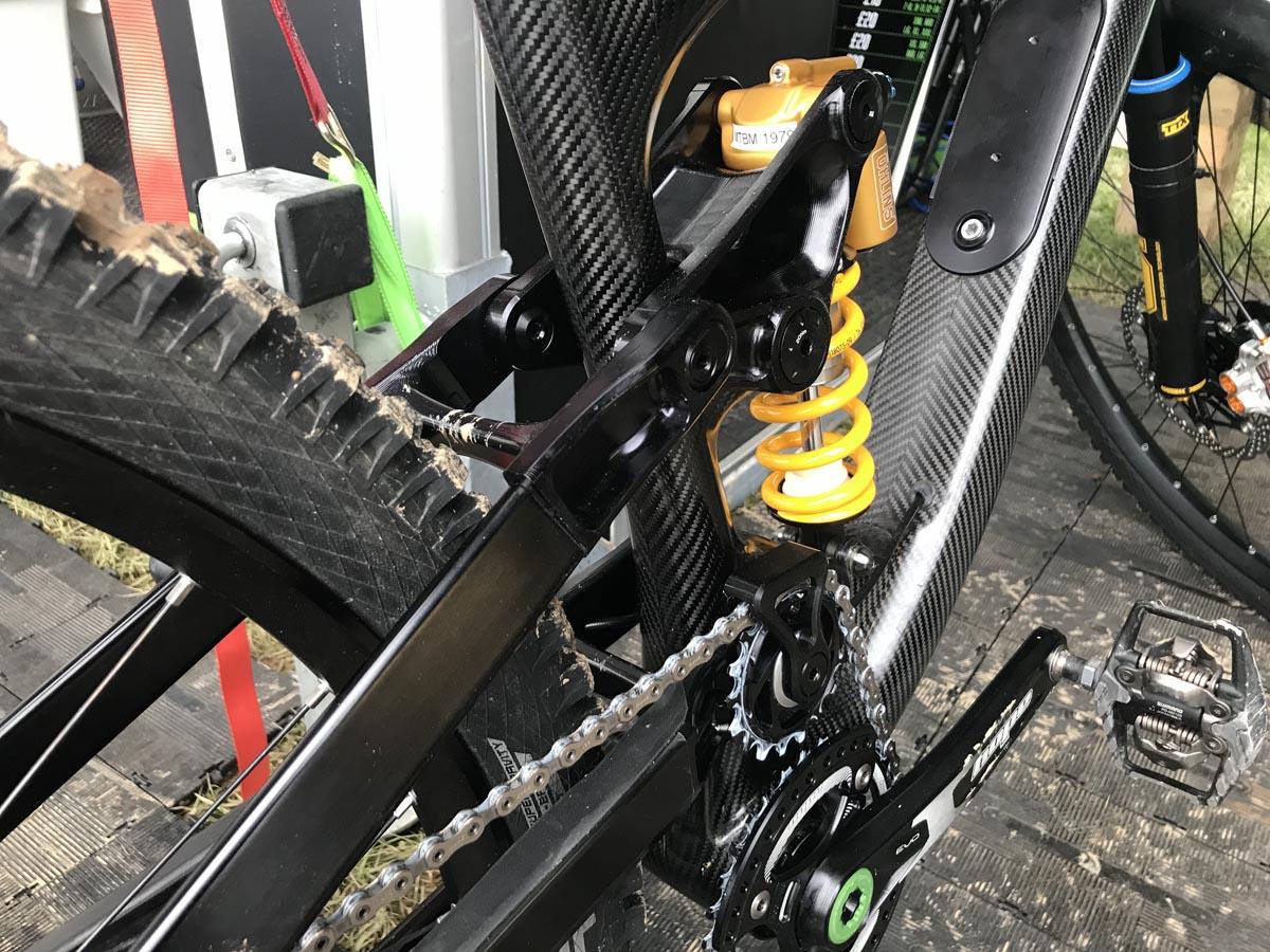 Hope Bikes High Pivot -prototyyppinen Enduro -pyörän jousitus