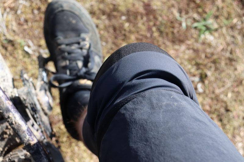 POC Oseus VPD knee pads, top of pad