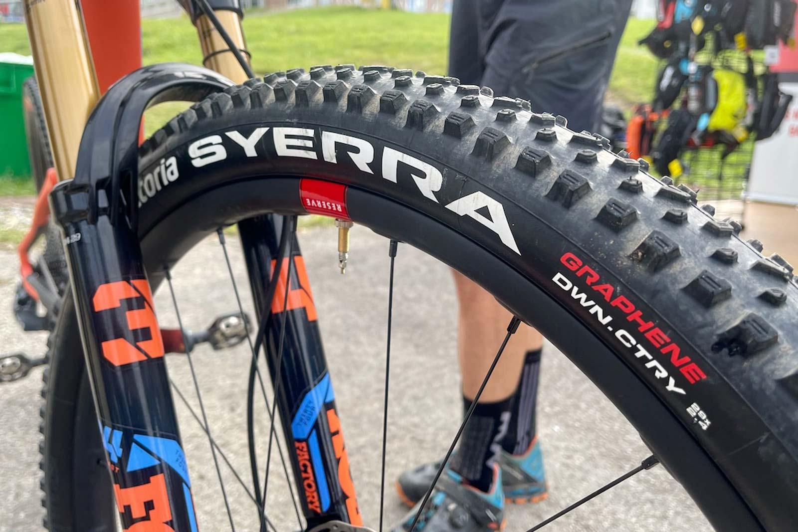 विटोरिया सेरा डोनकंट्री माउंटेन बाइक टायर