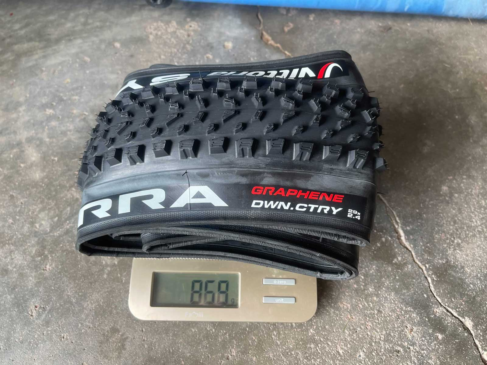 "vittoria syerra 29 x 2.4"" mtb tire actaul weight"