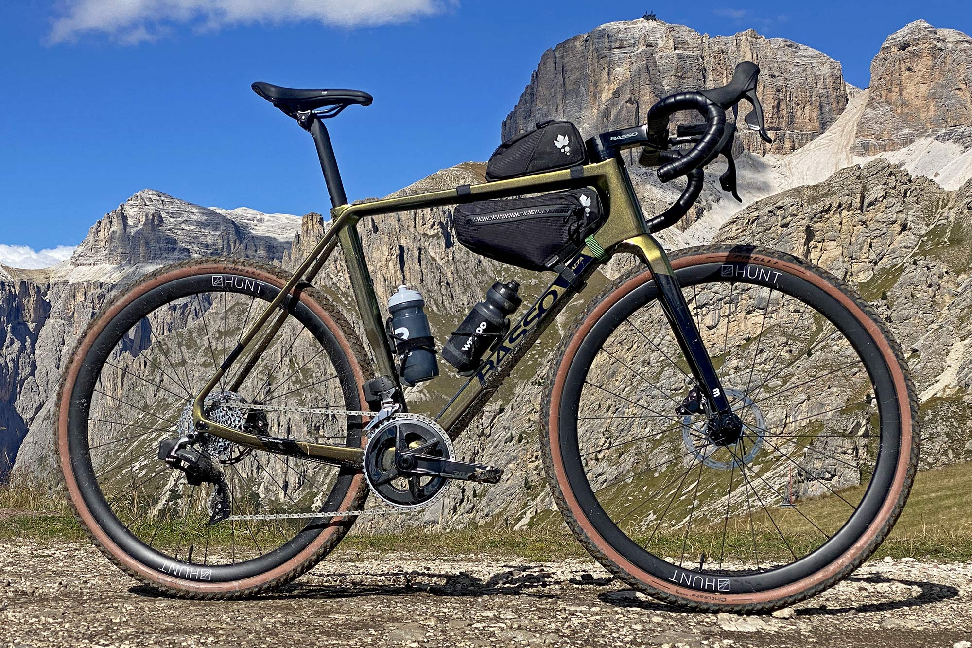 2022 Basso Palta II carbon gravel bike review made-in-Italy, complete Dolomites