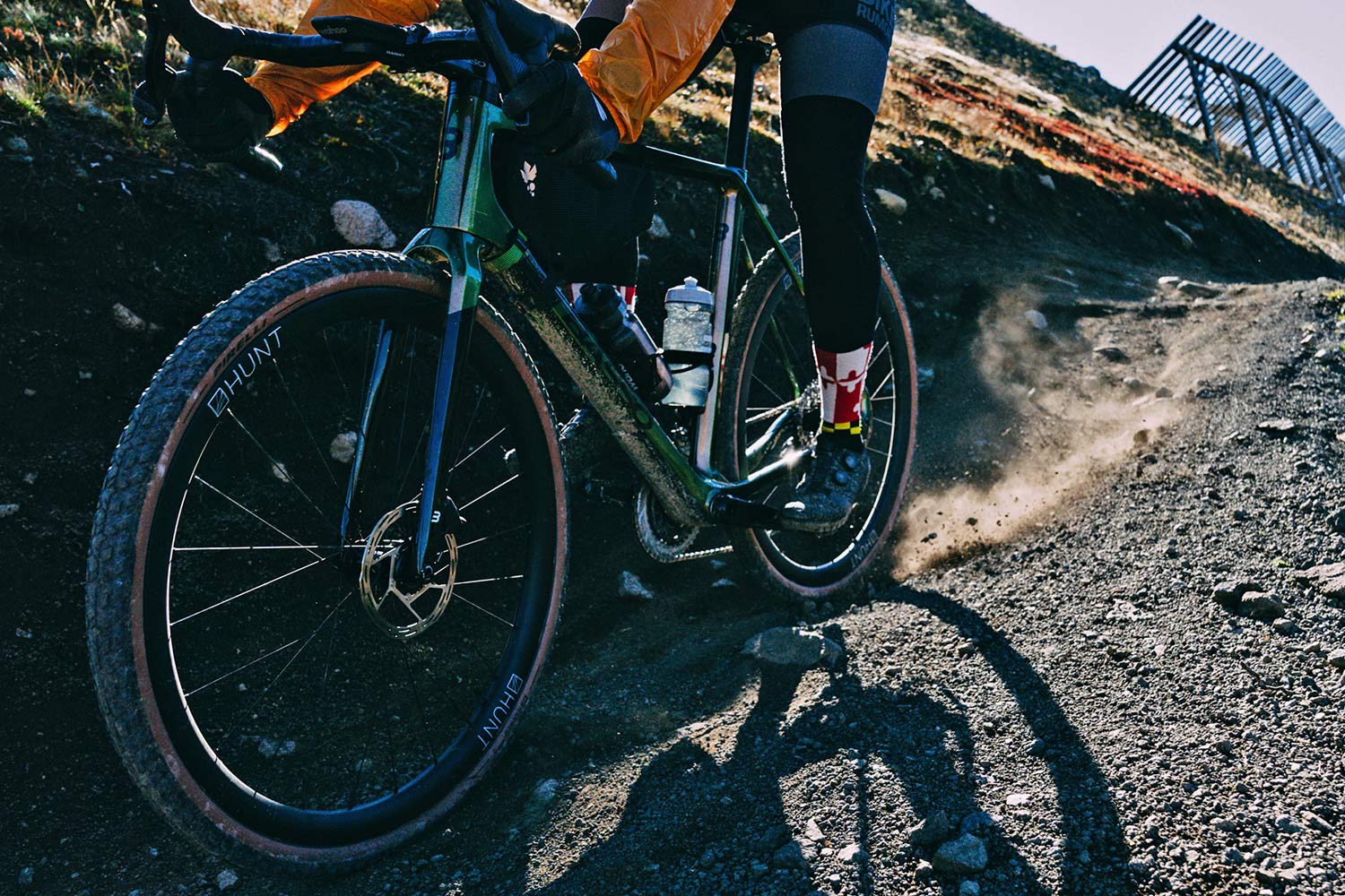 2022 Basso Palta II carbon gravel bike review made-in-Italy, photo by Francesco Bonato,fast & loose