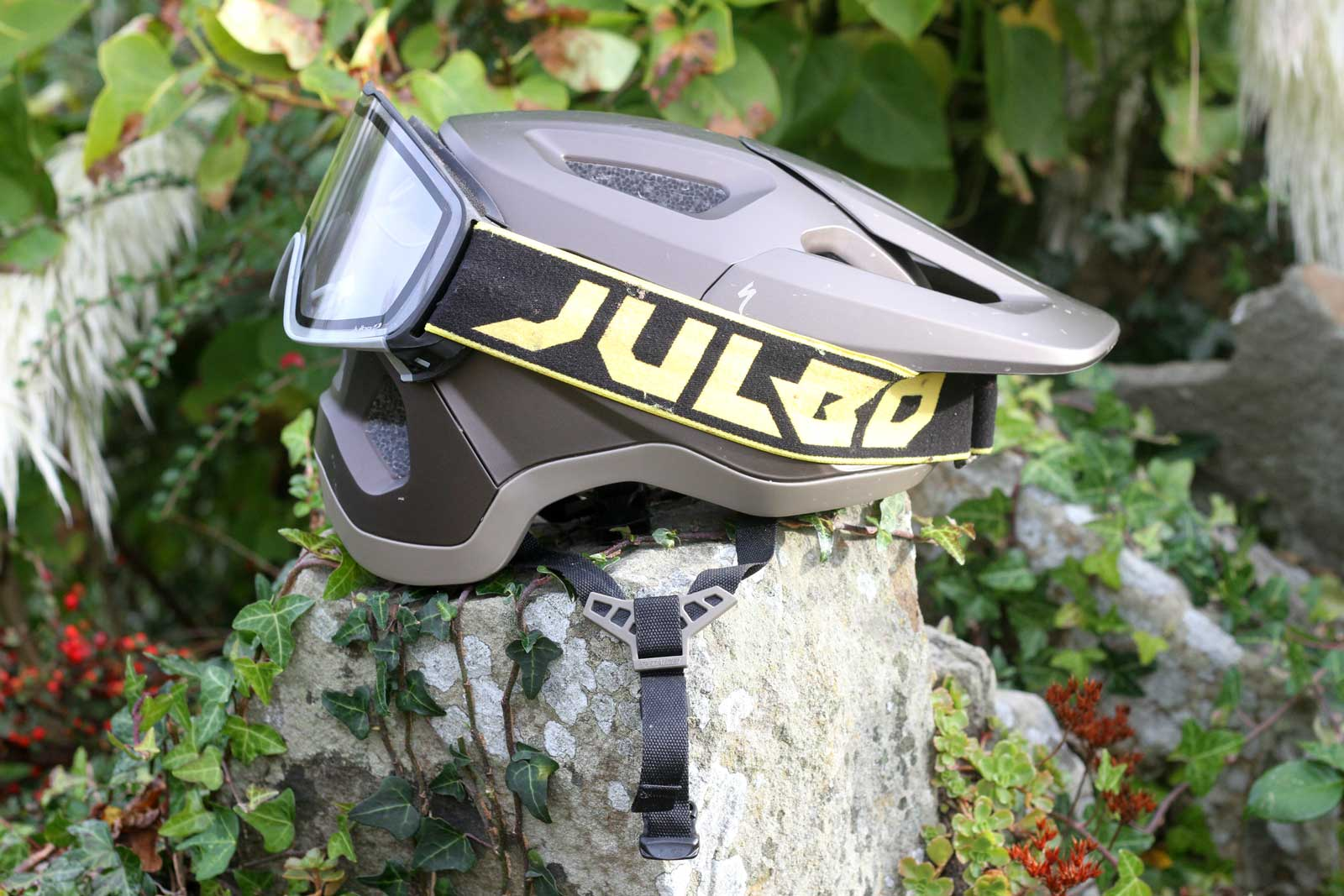 specialized tactic 4 helmet review julbo goggles stowed