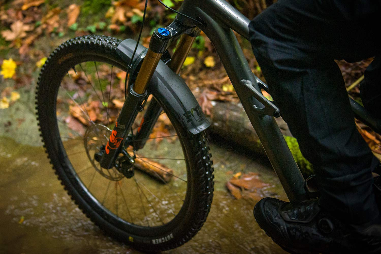 FOX XL Mudguard extends protection for 36 38 MTB forks, riding dirty