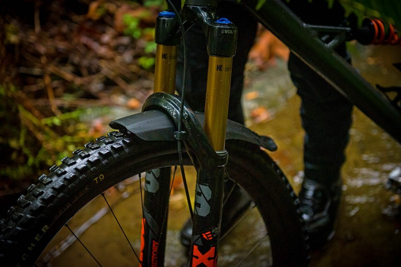 FOX XL Mudguard extends protection for 36 38 MTB forks, wet