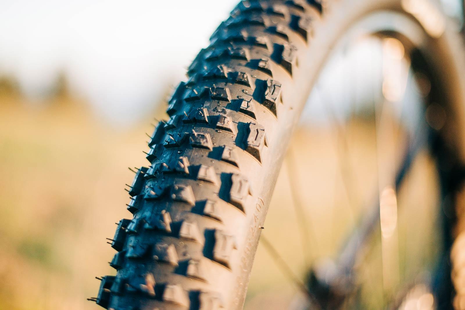 delium fast mtb tire