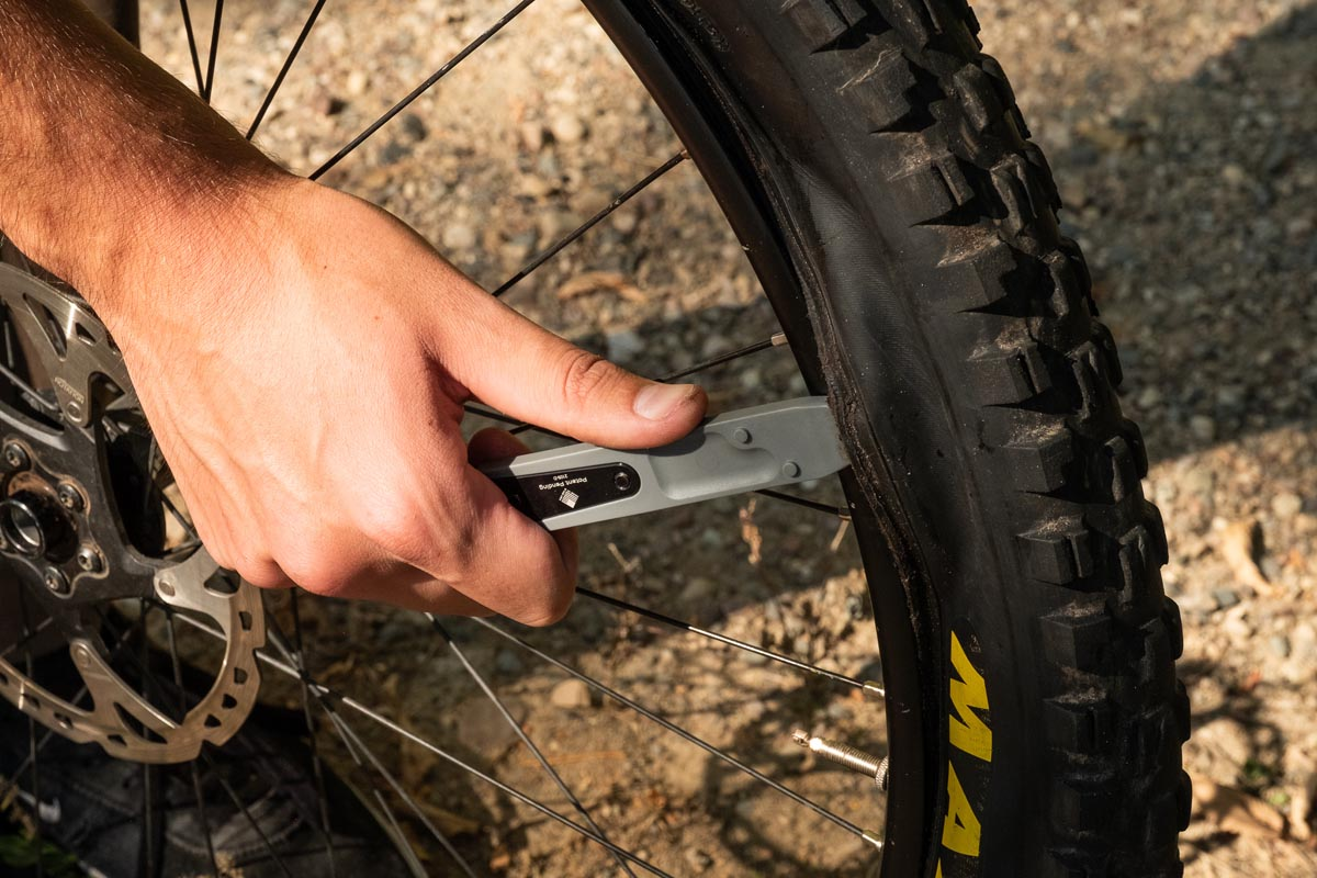 Wolf Tooth Components 8-Bit mutil-tool System tire lever