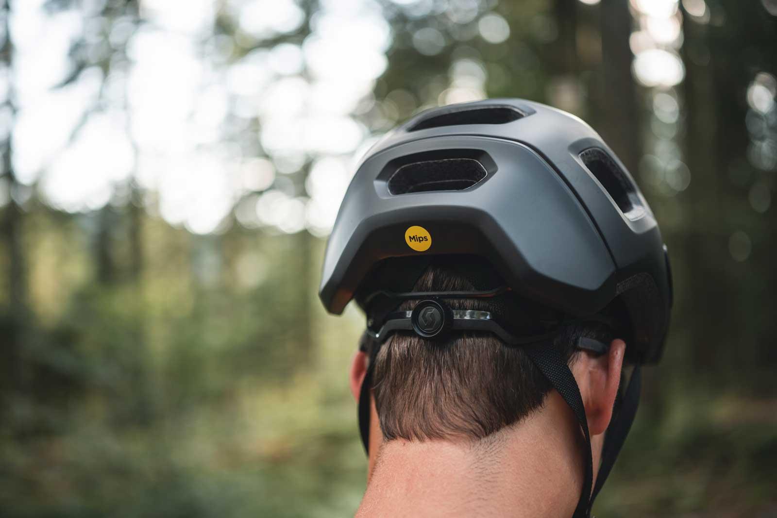 All-New SCOTT Argo Plus offers a full featured trail helmet under budget thumbnail
