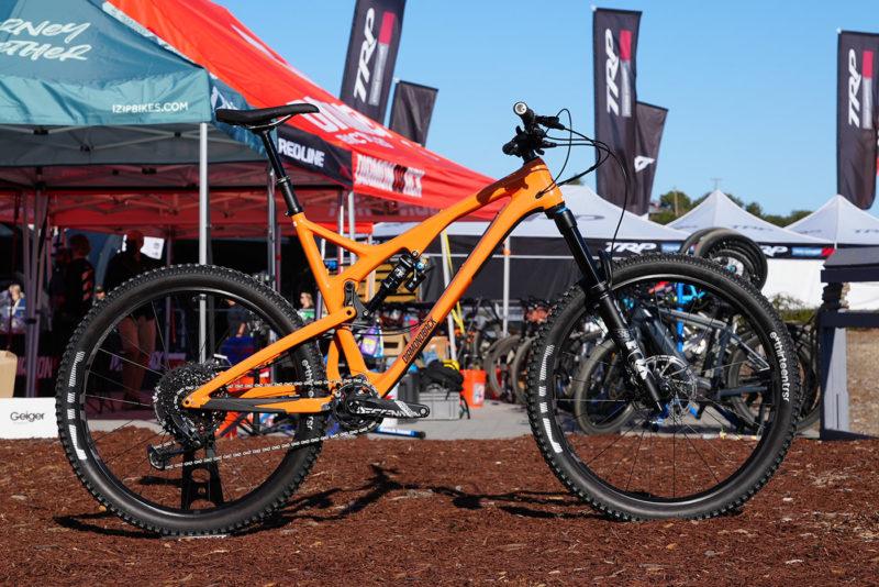 diamondback release 5c carbon trail bike with 27.5 inch wheels