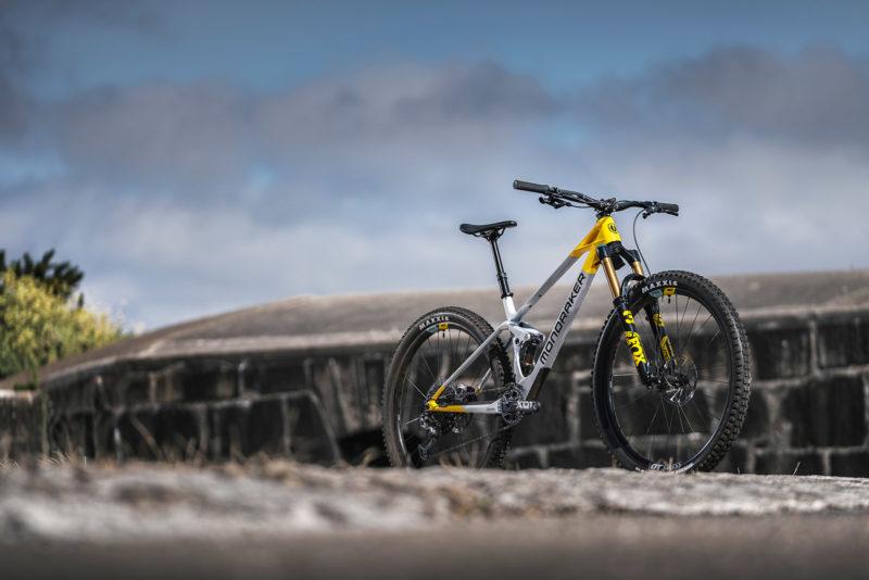 mondraker raze 130mm travel carbon mtb trail bike