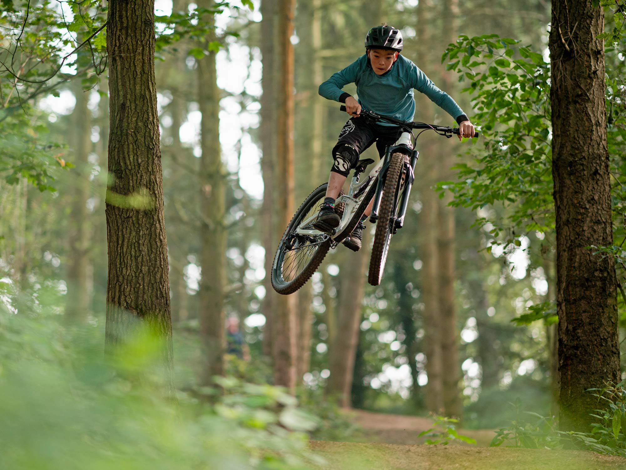 2022 Canyon Spectral AL affordable alloy trail all-mountain bike, photo by Roo Fowler,young hero airtime