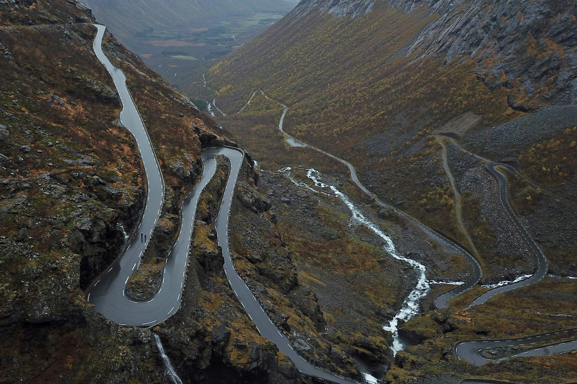 Fara F/RD aero carbon endurance adventure all-road cykel, Norge switchbacks