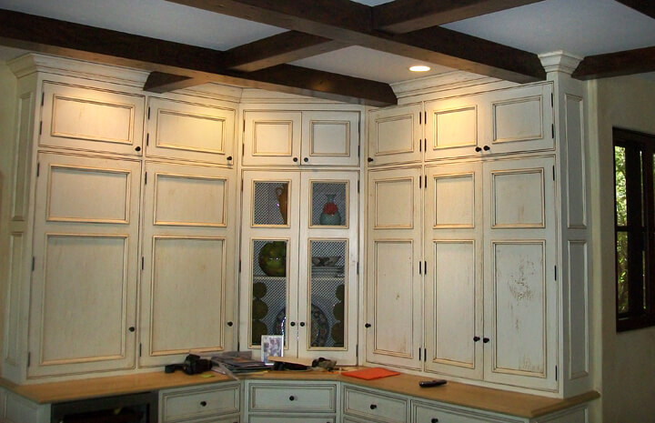 Custom Cabinet Refinishing
