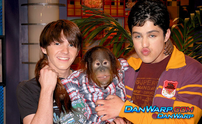 Drake Bell Josh Peck and a Chimpanzee