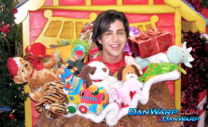 Merry Christmas Drake And Josh Monkey.Christmas Monkey