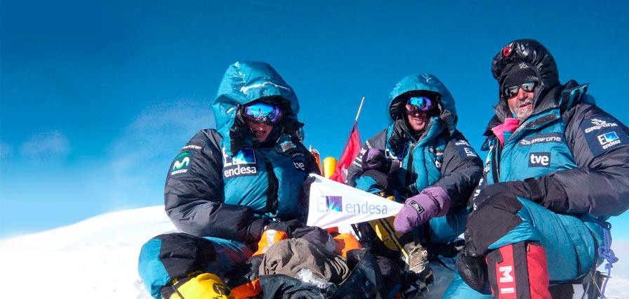 Edurne Pasaban Kanghenjunga summit picture