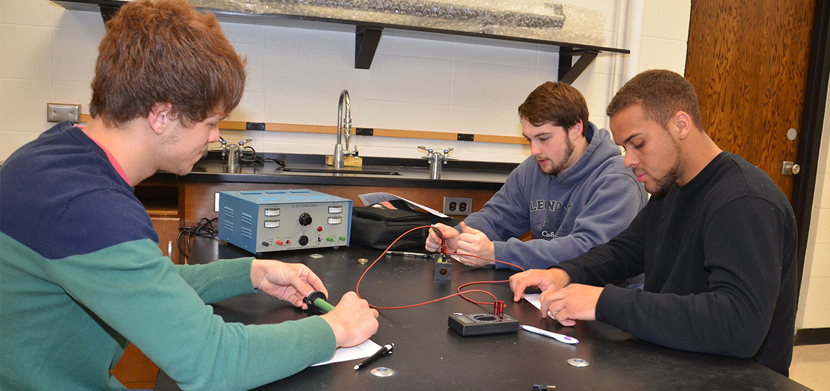 ECC engineering students in classroom