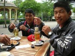 Bed Sudip take tea in Zurich