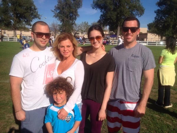 Photo 2 - Shannon Farar-Griefer and her kids