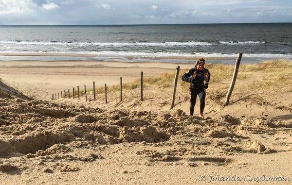 Jolanda Linschooten beach training