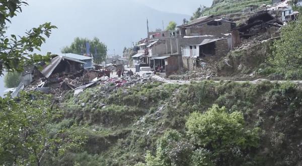 Lower Langtang Valley damage - Spanish translation