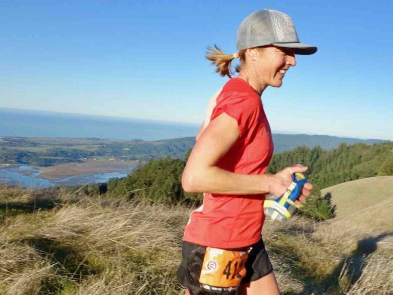 Stephanie Violett - 2016 TNF50 Mile - handheld water bottle