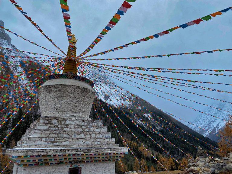 Shuangqiao Valley stupa - race day