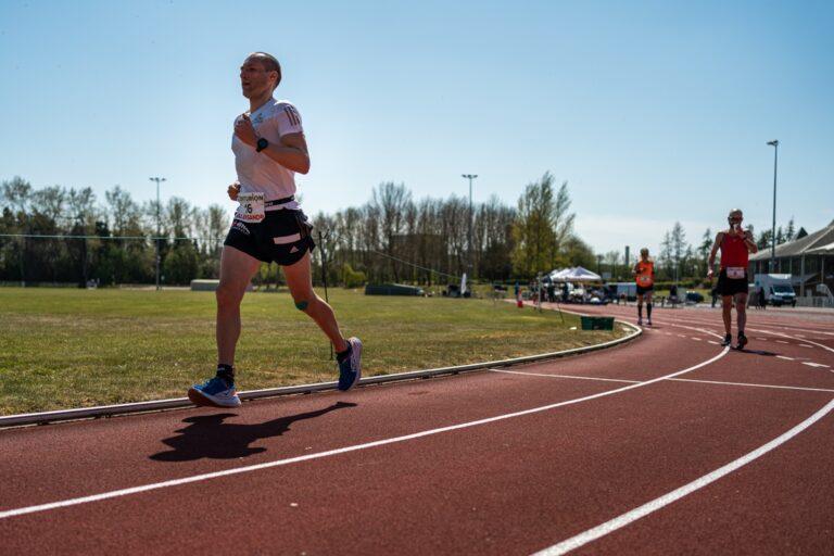 Aleksandr Sorokin - 100 mile world record - Centurion Running Track 100 Mile - racing photo