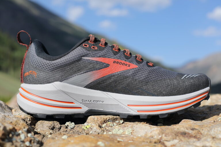 Brooks Cascadia 16 Gore-Tex medial view