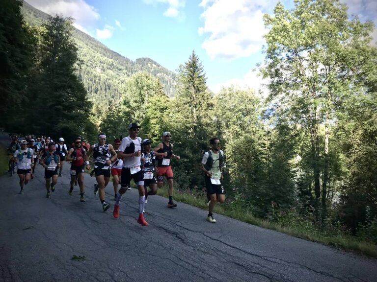 2021 UTMB - lead men at Les Houches