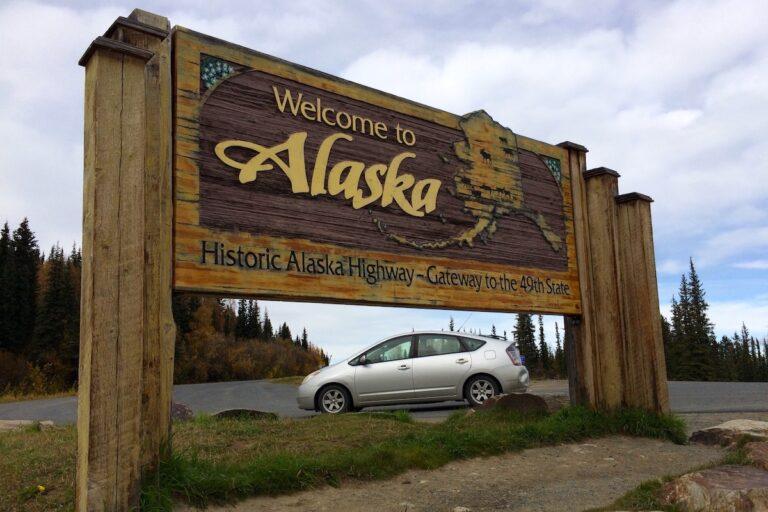 Trailhead Vehicles - Bryon Powell Pri - Leadville to Alaska