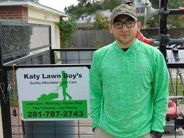 Houston Lawn Pros of Houston, TX, 77015 - rated 4.58 / 5