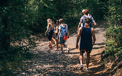 Stay on Track - Enjoy Vacation Hiking